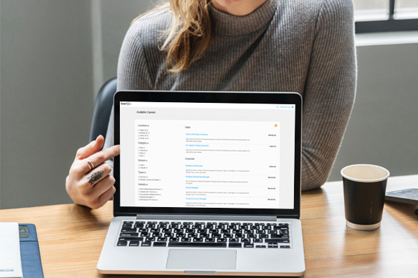 girl-showing laptop screen
